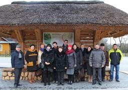 Делегация из Беларуси и Ежи Вжесень, войт гмины Влодава, в деревне Ружанка