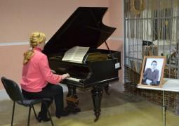 Вечер у 120-летнего рояля в Мазоловском сельском доме культуры завершил знакомство участников круглого стола с Витебским районом